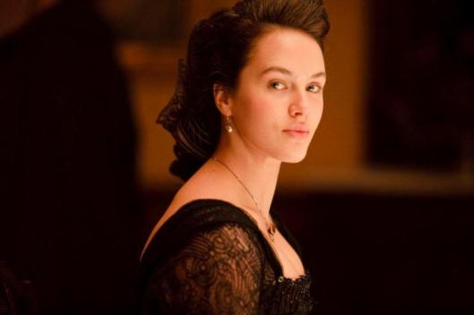 Lady-Sybil-Crawley-the-crawley-sisters-31850306-1418-945