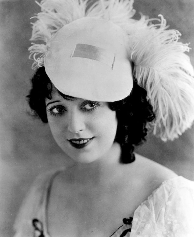 Mabel Normand hat
