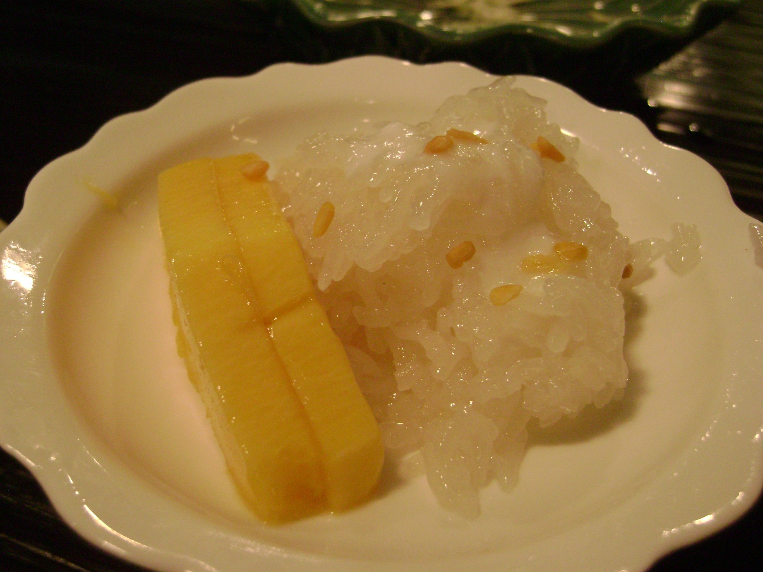 mango & sticky rice belong together