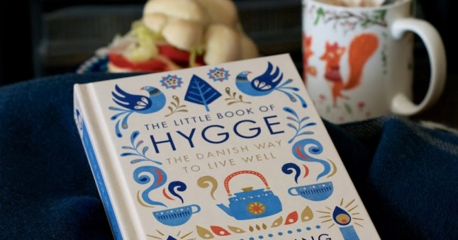 the-little-book-of-hygge-penguin-hot-chocolate-lisa-hjalt-02