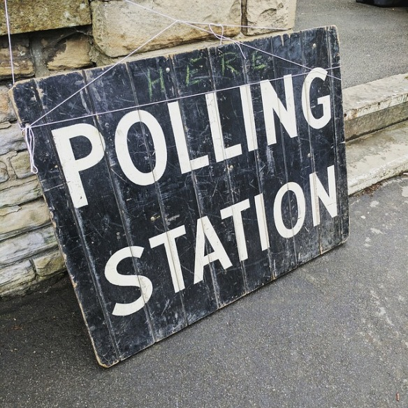 polling-station-2643466_640