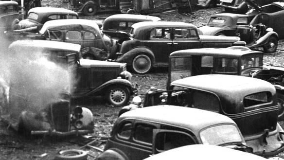 Philadelphia-Junk-Yard-1930s-Classic-Cars-2