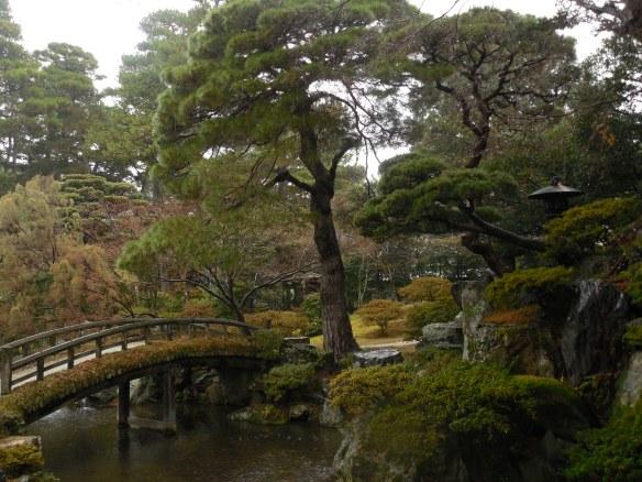 imperial-palace-garden_16040163325_o.jpg