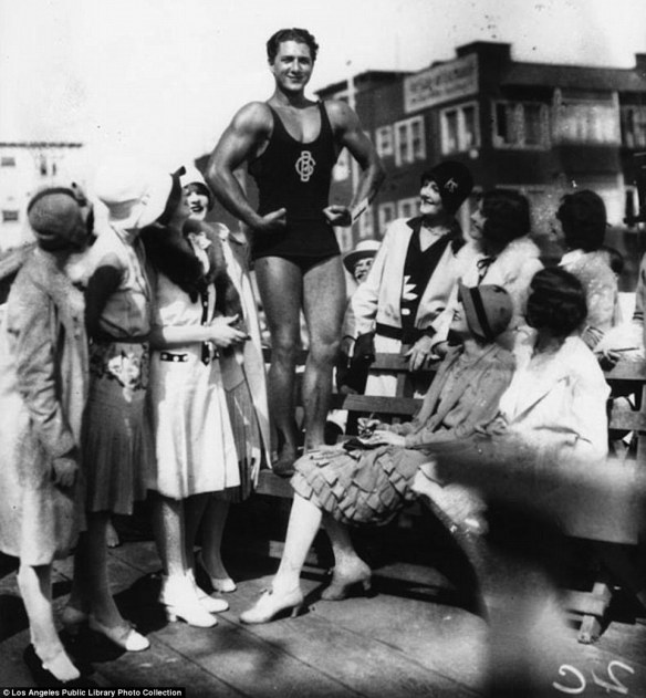 male women age1920s_Venice