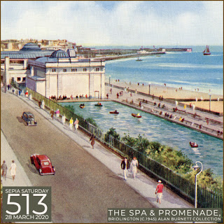 Boating lake and Spa, Bridlington, Vintage Postcard (1950s) (2002024)